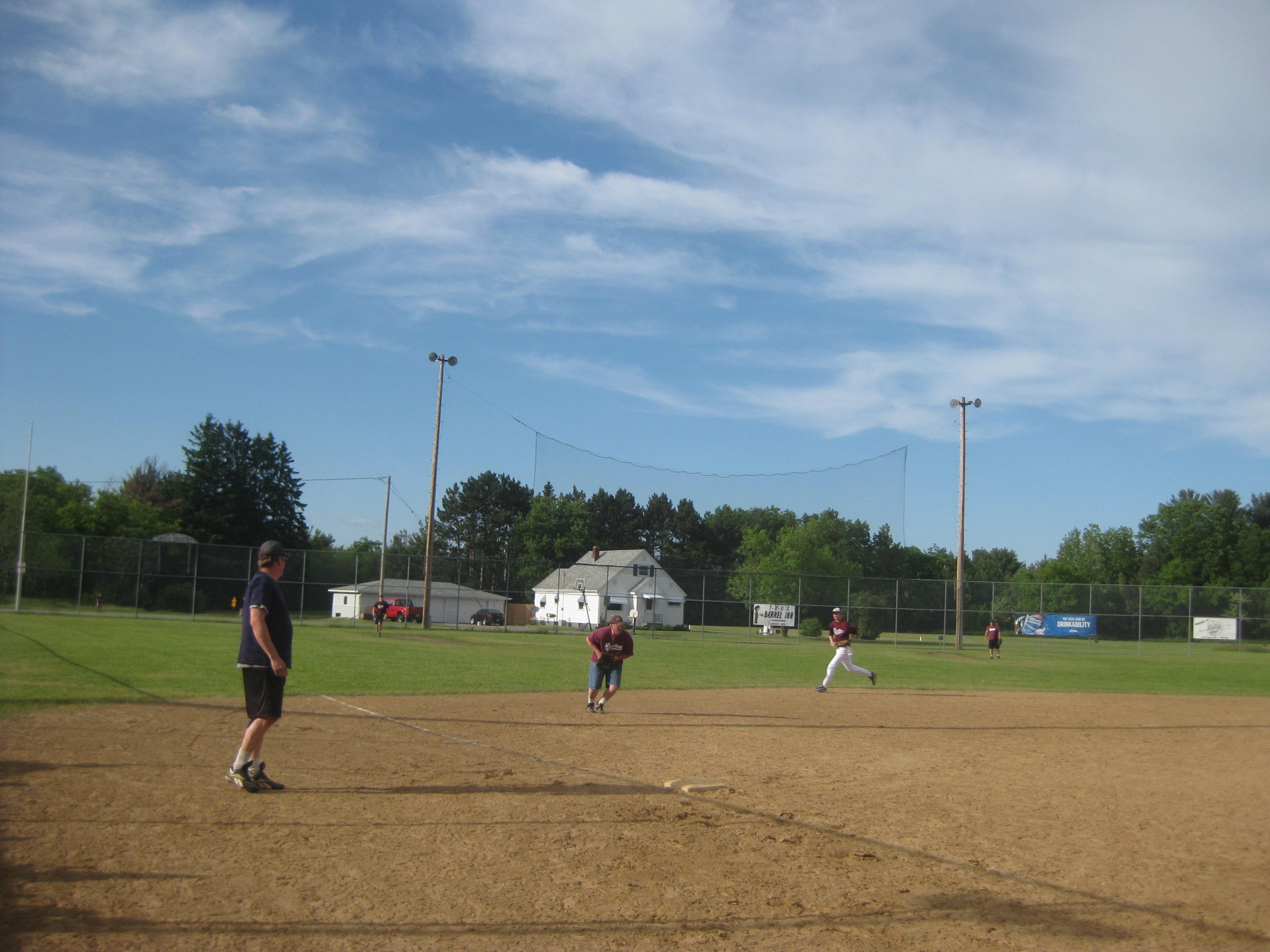 LZ Softball 2011 002.jpg