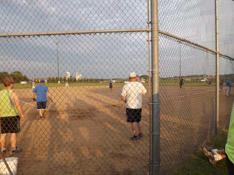 softball tourney 2013 (16).JPG